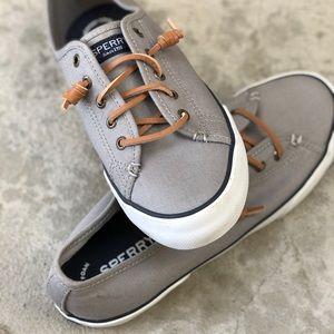 Light grey SPERRY top sliders: Size 8
